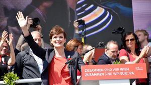 1 Mayıs'a Avusturya'da hükümete tepki, Belçika'da konserli kutlama damga vurdu