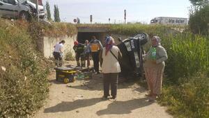 Otomobilin alt geçide düştü: 6 yaralı