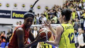 Fenerbahçe, Galatasarayı eleyerek finale yükseldi