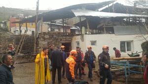 Erzurumda ahır inşaatında çökme: 2 ölü, 6 yaralı