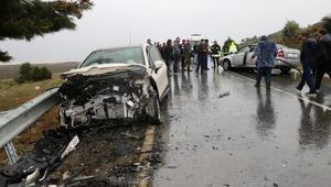 Otomobille cip çarpıştı: 2si turist 6 yaralı