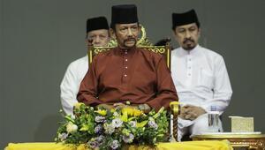 Brunei Sultanlığında eşcinsellerle ilgili kanun ertelendi