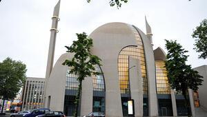 Köln'deki ilk iftara bin 200 kişi katıldı