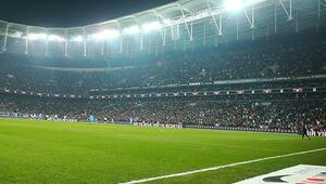 Beşiktaş, Suralın ismini bir maçlığına tribüne verdi