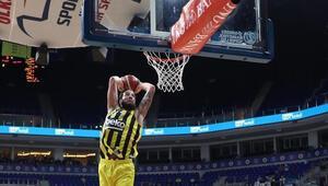 Fenerbahçeden resmi açıklama: Lauvergne ve Datome Final Fourda yok