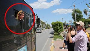 Türklüğe hakaret ortalığı karıştırdı... Şoför dayanamadı halk otobüsüne kilitledi