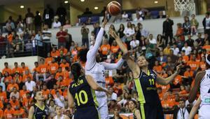 Çukurova Basketbol, Fenerbahçeyi yenip seride öne geçti