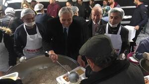 Başkan Bakkalcıoğlu orucunu iftar çadırında açtı
