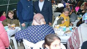 Altınova'da mahalle iftarları başladı