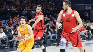 Galatasaray normal sezonu 4. tamamladı