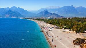 Türkiyedeki turizm yatak sayısının yarıya yakını Antalyada