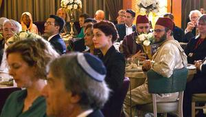 Hollanda'da Müslümanlar ve farklı dinin mensupları iftarda buluştu