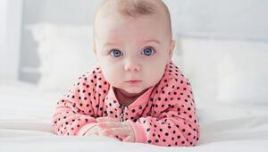 Bebekler ne zaman görmeye başlar Görme duyusu ne zaman gelişiyor