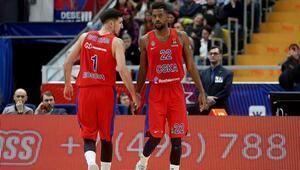Normal sezonu ikinci bitirdi, play-offta ev sahibini eledi CSKA Moskova...