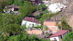 Ordu'da korkunç görüntü 15 ev yıkıldı, mahalle girişe kapatıldı...