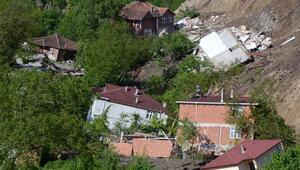 Orduda heyelanlı bölgedeki 15 ev yıkıldı