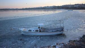 Konya ve Isparta arasında yer alan gölün adı nedir