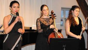 Schwabach'ta Yunus Emre, Brahms, Dede Efendi ve Türk yemekleri eşliğinde müzik ziyafeti