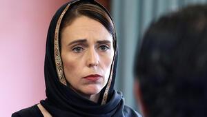 Yeni Zelanda Başbakanı Ardernin şefkati siloya resmedildi