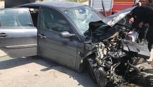 Sorgunda kamyon ile otomobil çarpıştı: 5 yaralı