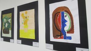 Öğrencilerin repro sergisinde ressamlar ve şairler buluştu