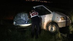 Midyatta minibüs ile kamyonet çarpıştı: 1 ölü, 6 yaralı