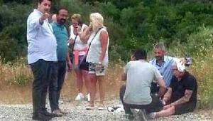 TIRın savrulan dorsesi taksiye çarptı: 2si turist 3 yaralı