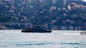 Rus savaş gemisi çekilerek Boğazdan geçti