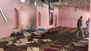 Son dakika... Pakistanda camide patlama