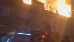Gaziosmanpaşada 4 katlı binada çıkan yangın mahalleliyi sokağa döktü