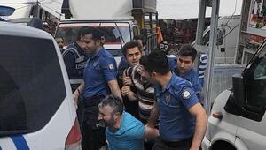 Esenyurtta pazarda minibüs arbedesi: Polis biber gazı kullandı