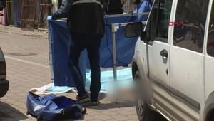 Zeytinburnunda bir kişi otomobilinde ölü bulundu