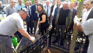 Maganda kurbanı liseli Ahmet'in anısına doğum gününde 21 fidan