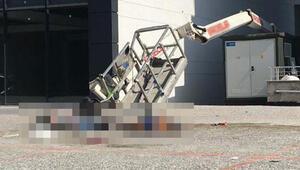 Otelin dış cephe temizliği sırasında sepetli vinç devrildi: 2 ölü