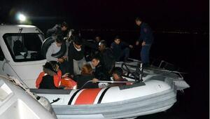 Dikili açıklarında 15 kaçak göçmen yakalandı