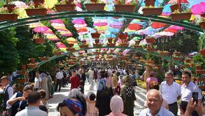Özbekistanda 59. Namangan Geleneksel Çiçek Festivali başladı