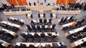 Avusturyada Kurz liderliğindeki hükümet düştü