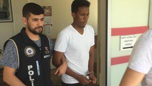 Adanada Somali vatandaşı FETÖ'den gözaltına alındı
