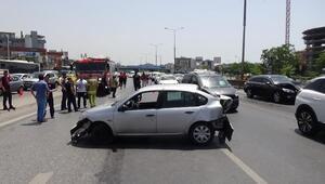 Ataşehirde sapağı kaçıran sürücü kazaya neden oldu