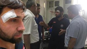 Motosikletli kuryelerden ambulans sürücüsüne kasklı saldırı