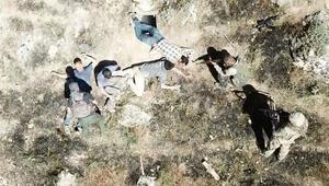 Son dakika: Mağarada sıkıştırıldılar İşte teröristlerin teslim olma anı…