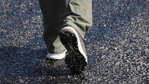 Denizlide sıcaktan asfalt eridi