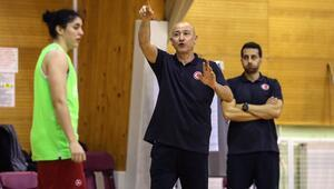 Kadın Milli Basketbol Takımımızda sakatlık şoku 3 isim kadrodan çıkartıldı...