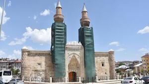 Tarihi Gök Medrese, 22 yıl sonra ziyarete açıldı