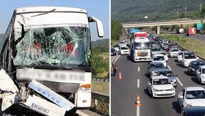 TEMde feci kaza... Kilometrelerce araç kuyruğu oluştu