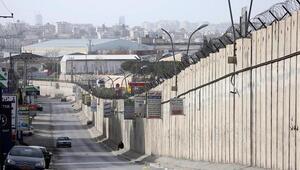 İsrail, Ayrım Duvarını geçmeye çalışan Filistinli çocuğu vurdu