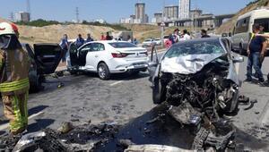 Başakşehirde zincirleme trafik kazası: 1i ağır 3 yaralı