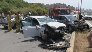 Başakşehirde zincirleme trafik kazası 1i ağır 3 yaralı