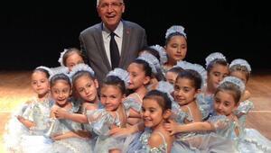 Minik balerinler şov yaptı