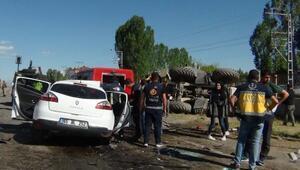 Ercişte kaza: 1i çocuk, 3 kişi öldü, 4 yaralı